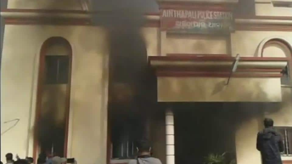Locals in Sambalpur vandalised Ainthapali police station and set it on fire over the custodial death of a man accused of theft.
