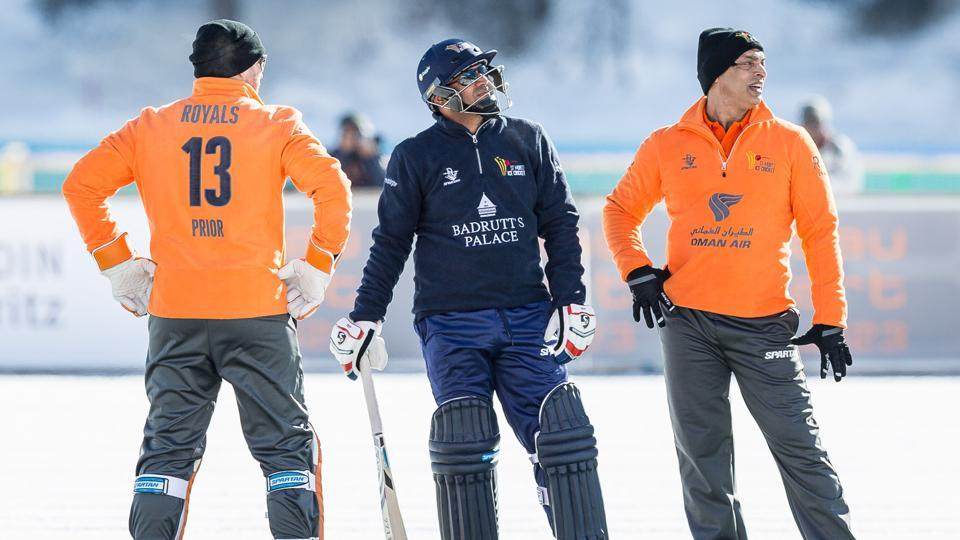 Shahid Afridi's Royals defeated Virender Sehwag's Diamonds by eight wickets to sweep the Twenty20 Ice cricket challenge in St Moritz 2-0.
