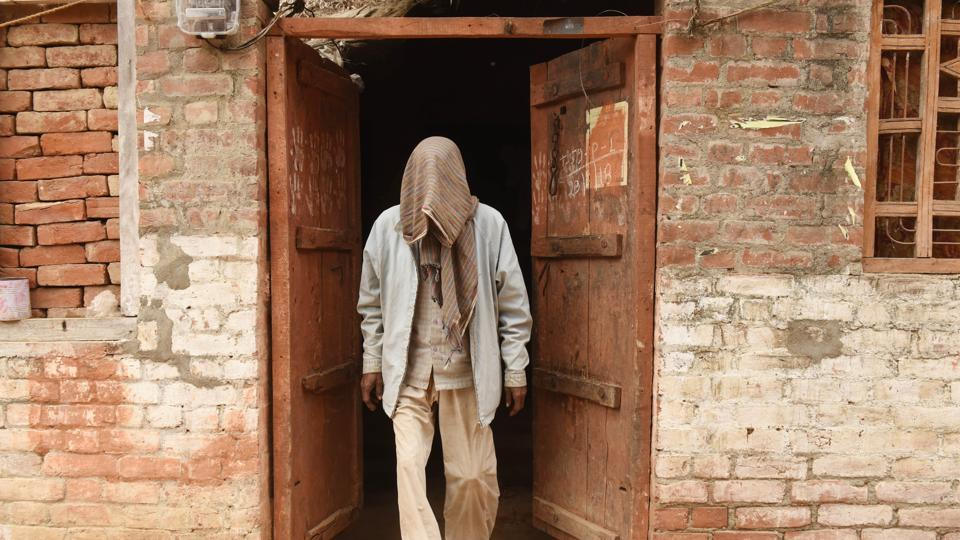 An HIV patient at his house in Premganj area of Bangarmau in Unnao, Uttar Pradesh on February 7, 2018. At least 58 people in Uttar Pradesh's Unnao tested positive for HIV after a quack allegedly used the same syringe to administer injections to all of them. (Subhankar Chakraborty / HT Photo)
