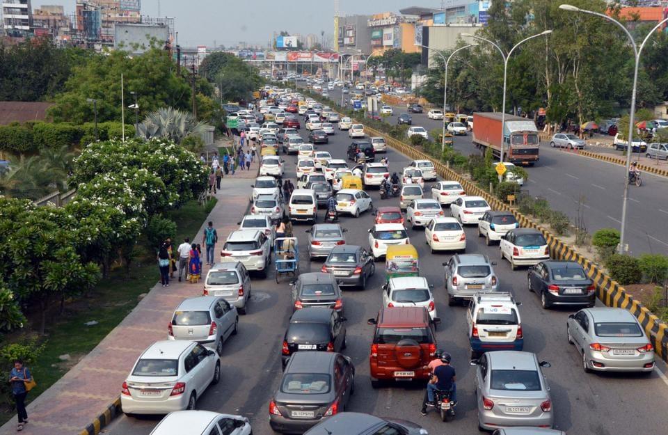 Noida news,Noida,DLF