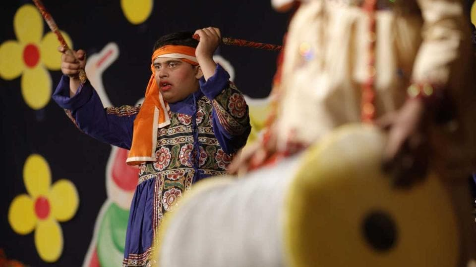 A differently-abled student from Kamayani school performs during the school's annual gathering held at the Tilak Smarak Mandir on February 7. (Rahul Raut/HT PHOTO)