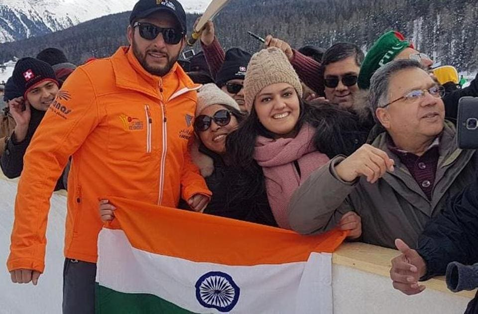 Shahid Afridi with the Indian flag on the sidelines of Ice Cricket Challenge.