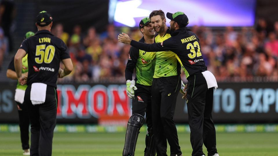 Australia enter final with third consecutive win