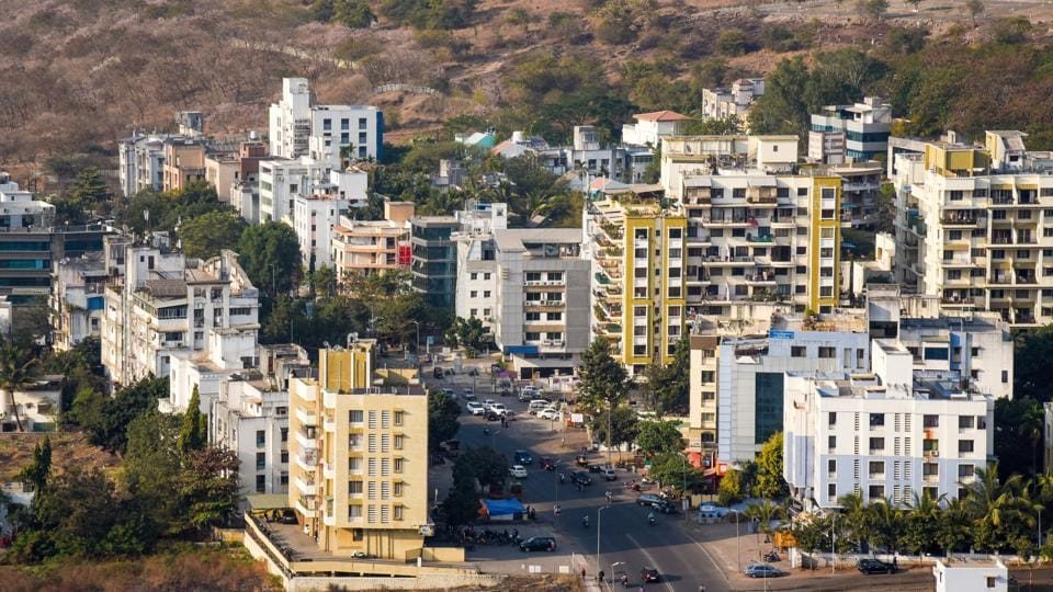 Bavdhan has some major developers active within its territory, including Paranjape Schemes, K Raheja Corp, Rohan Builders and the Saarthi Group and Rohan Builders, who are all interested in building apartments in the area as many IT professionals are now choosing to live in the area.