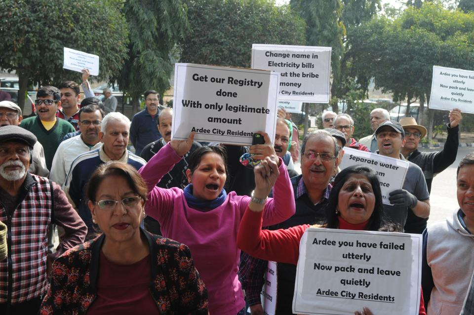 Ardee residents protested,Gurgaon,a three-hour long protest against developer