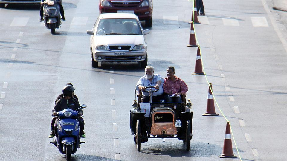 Abbas Jasdanwalla's 1903 Humberette won the 'Oldest car' award.  (Pramod Thakur/HT Photo)