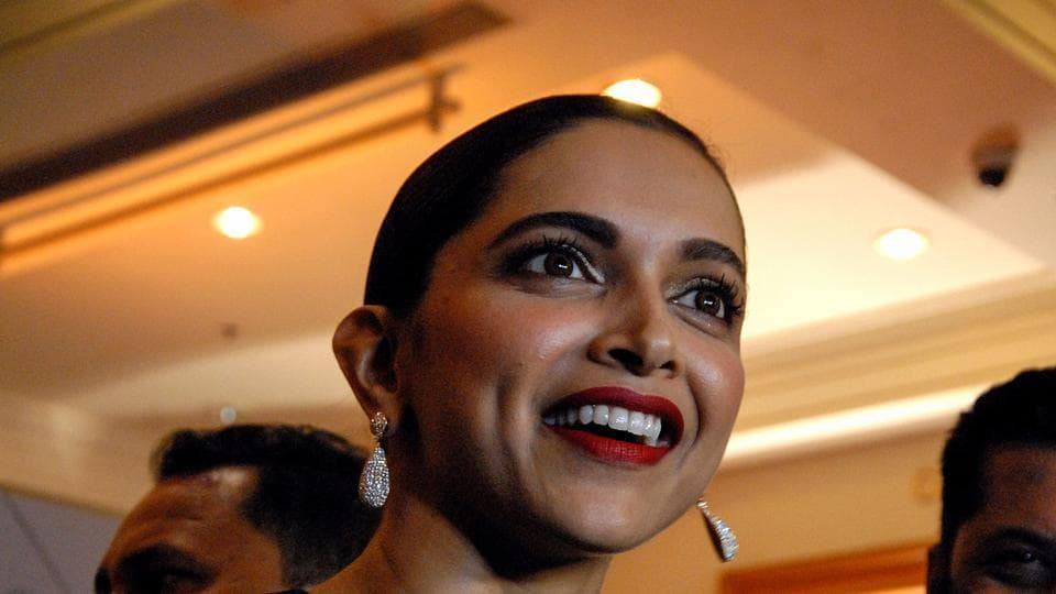 Deepika Padukone has a special gift for her fans to mark the occasion of Promise Day on Sunday.
