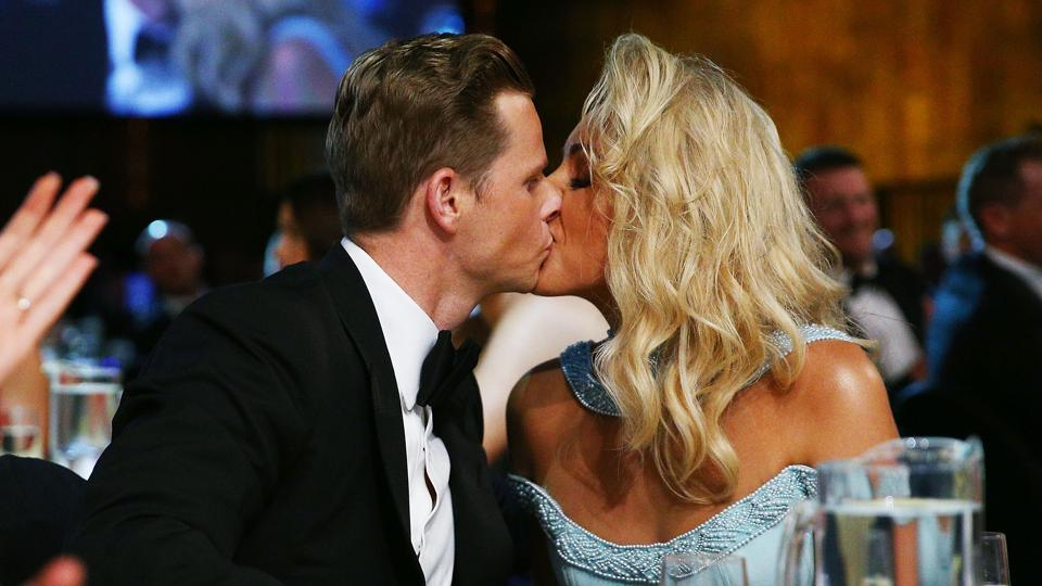 Steve Smith and Danielle Willis kiss after the Australian skipper won the Alan Border Medal at Crown Palladium on February 12, 2018 in Melbourne, Australia.  (Getty Images)