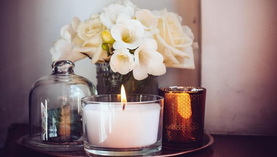 A delicate aroma can not only be therapeutic but also heightens the love quotient.