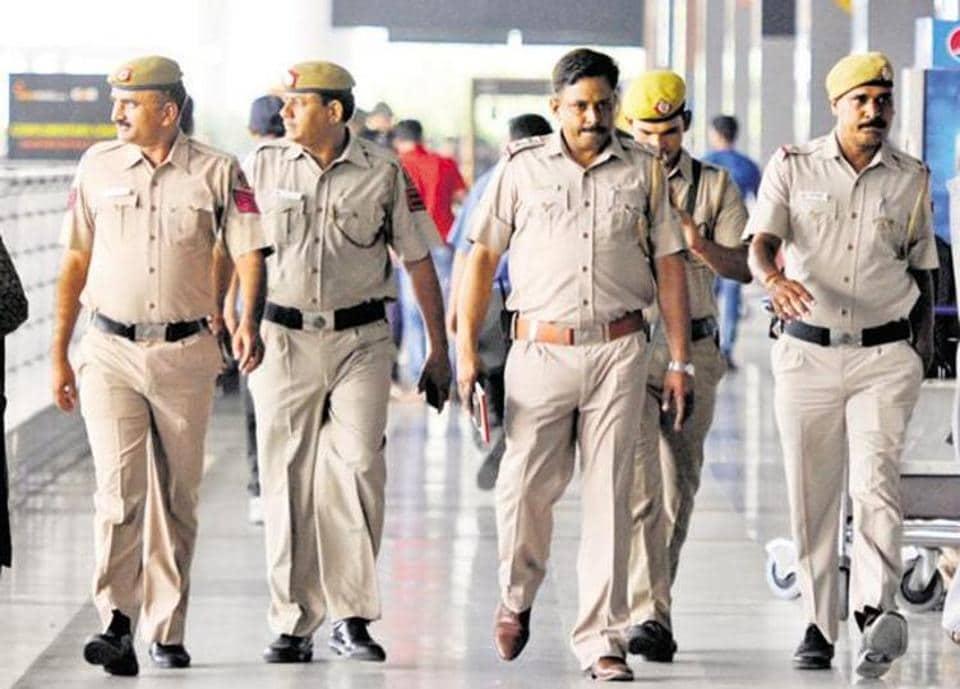 Valentine's day,Police,Uttar Pradesh