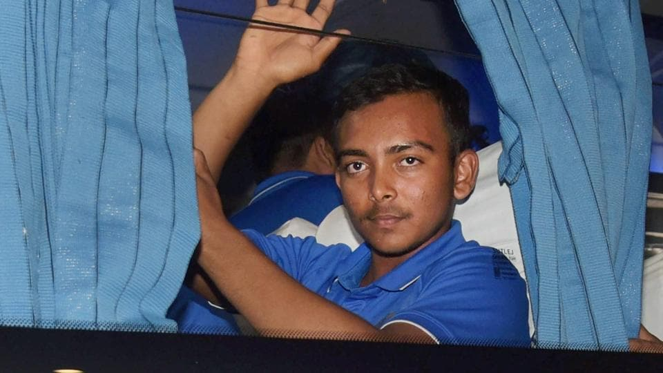 Prithvi Shaw guided Mumbai to the quarterfinals of the Vijay Hazare Trophy on Monday.