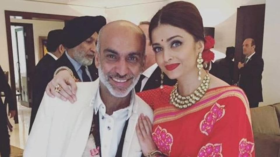 Representing Indian cinema on Republic Day 2016, Bollywood star and former Miss World Aishwarya Rai with designer Manish Arora at a lunch in honour of visiting French President François Hollande.