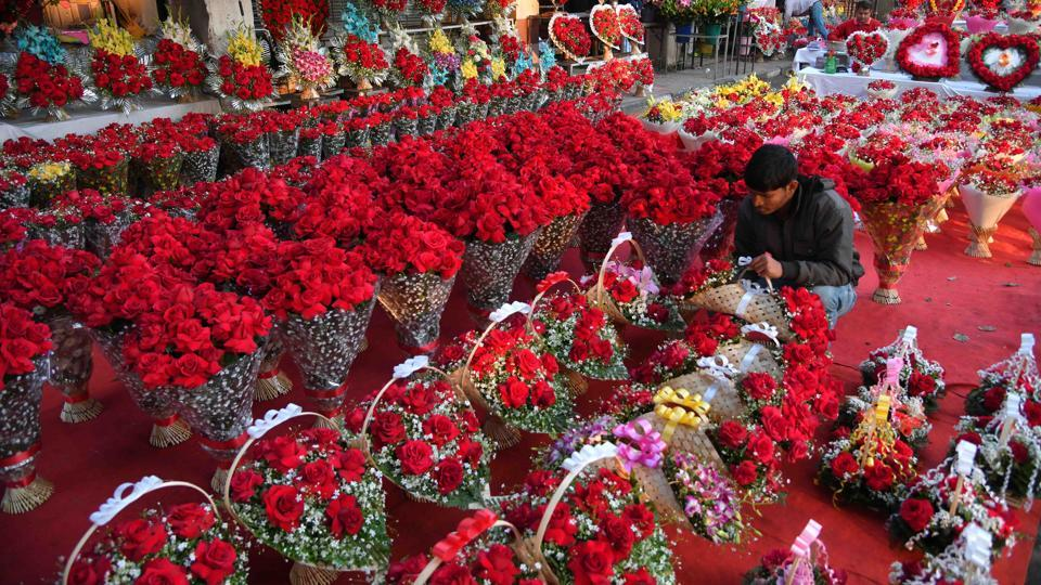 Valentine's Day,Chandigarh florists,V-Day