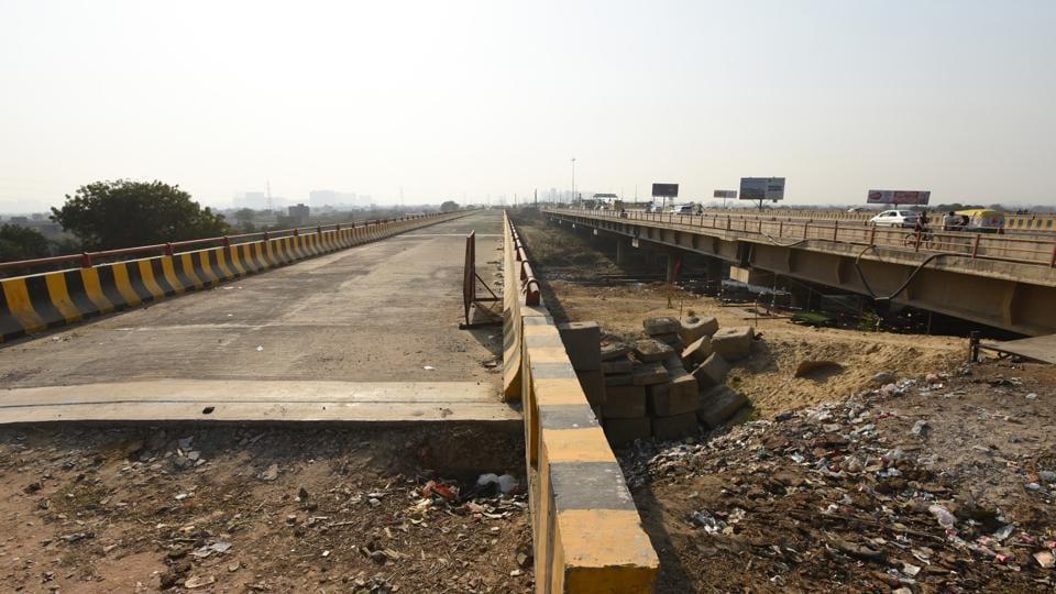 Hindon,approach road,bridge
