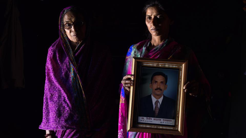What Gaikwad did leave however, were 10 quintals of sub-grade cotton and a bank debt of Rs1.18 lakh. He had filed an application for a farm loan waiver, but till December-end, there was no confirmation whether he had been found eligible or not. Vandita and her 17-year-old son Vishal, now plan to work as agricultural labourers and use the family's few assets to earn a living this year. (Anshuman Poyrekar / HT Photo)