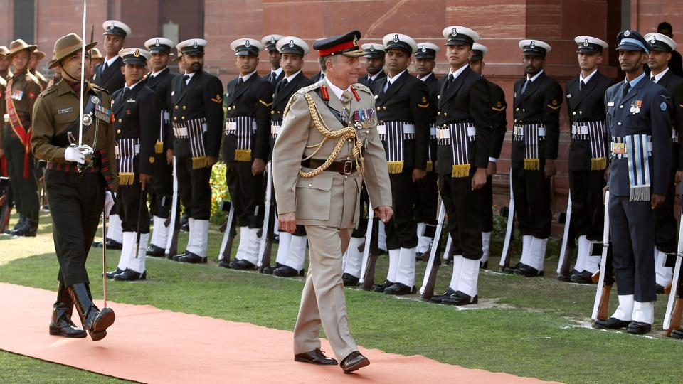 Chief of the General Staff of British Army Nicholas Carter inspects the guard of honour in New Delhi. (Adnan Abidi / REUTERS)