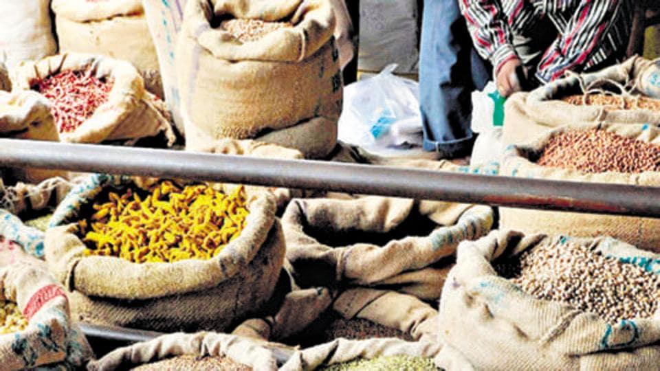 Wholesale food prices in January rose 1.65% year-on-year, compared with a 2.91% rise a month earlier