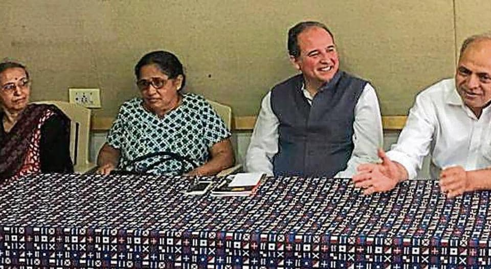 Uma Pansare, wife of Govind Pansare; Shaila Dabholkar, Dr Dabholkar's wife; Carles Torne, director, PEN and Ganesh Devy were present at the press conference.
