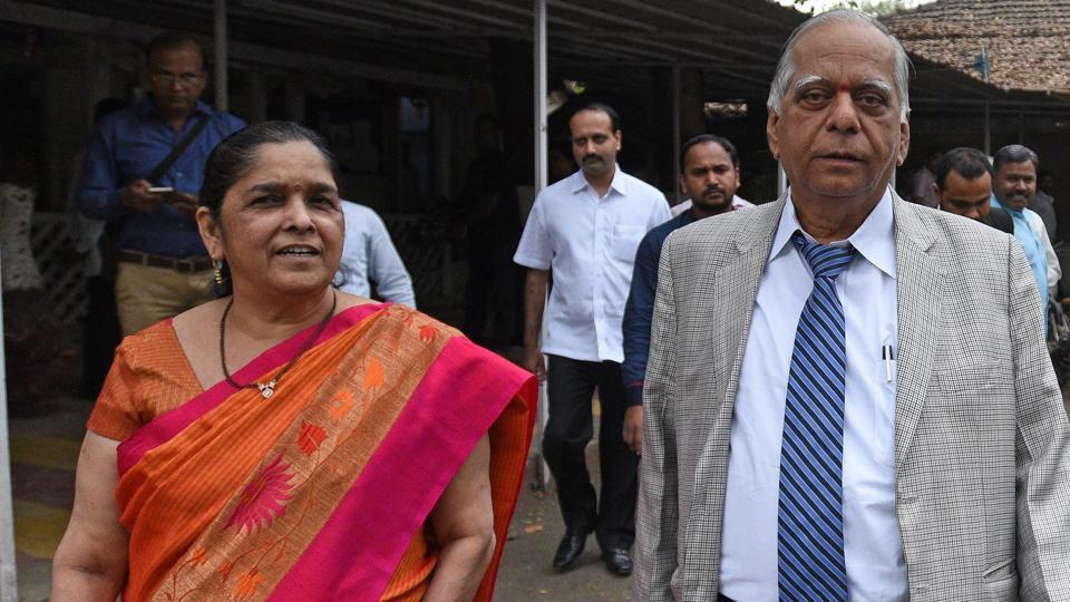 Pune's top builder Kulkarni, wife held for fraud