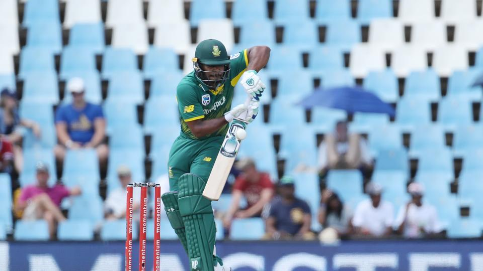 Khaya Zondo and AB de Villiers steadied South Africa's ship and took the team's total past 100.  (BCCI )