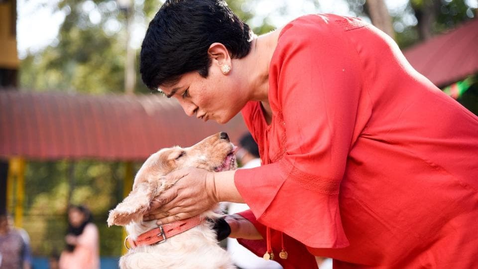 The love between the owners and their pets was clearly seen as they journeyed through the various events supporting each other.  (Sanket Wankhade/HT PHOTO)