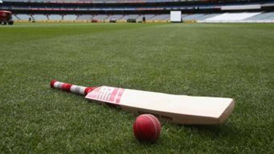 Lee Francis Dixon,Chester Boughton Hall Cricket Club,Cricket