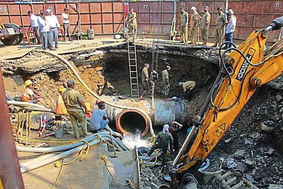 Mumbai,water,pipe burst