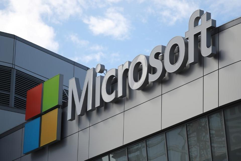 Microsoft,Microsoft US Justice Department,Microsoft data stored overseas
