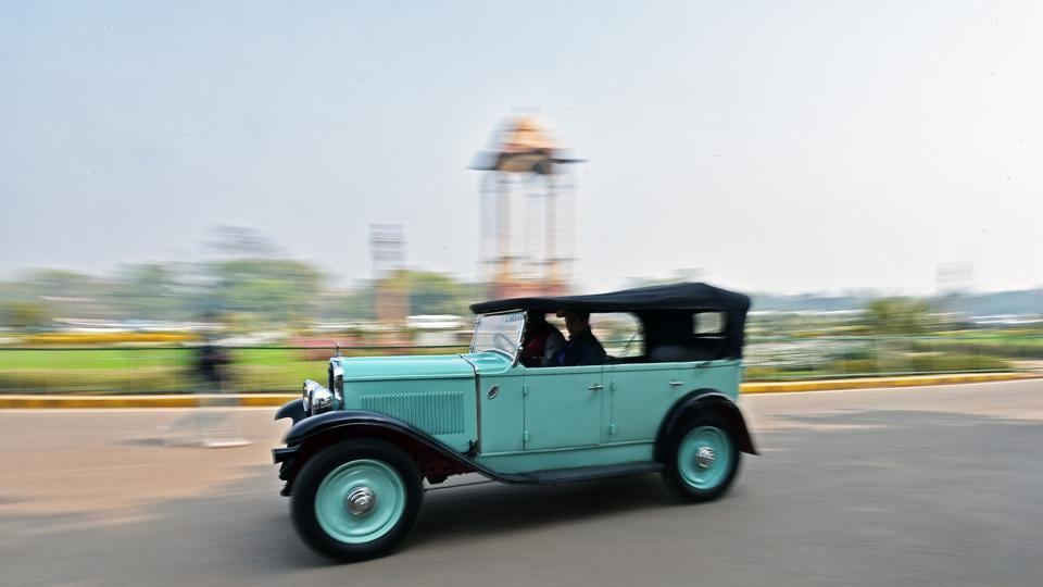 A vintage car cruises by India Gate during the 21 Gun Salute Vintage Car Rally in New Delhi on Saturday, February 17, 2018.  (Anushree Fadnavis / HTPhoto)
