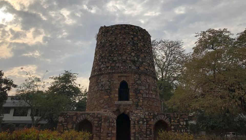 Delhiwale,Dilliwale,Chor Minar