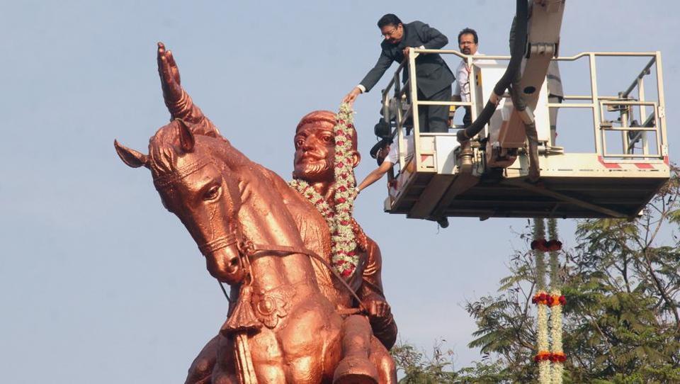 Maharashtra Governor C Vidyasagar Rao garlanded the statue of Chhatrapati Shivaji Maharaj on the ocassion of the Maratha king's birth anniversary at Shivaji Park, in Mumbai. (Bhushan Koyande / HT Photo)