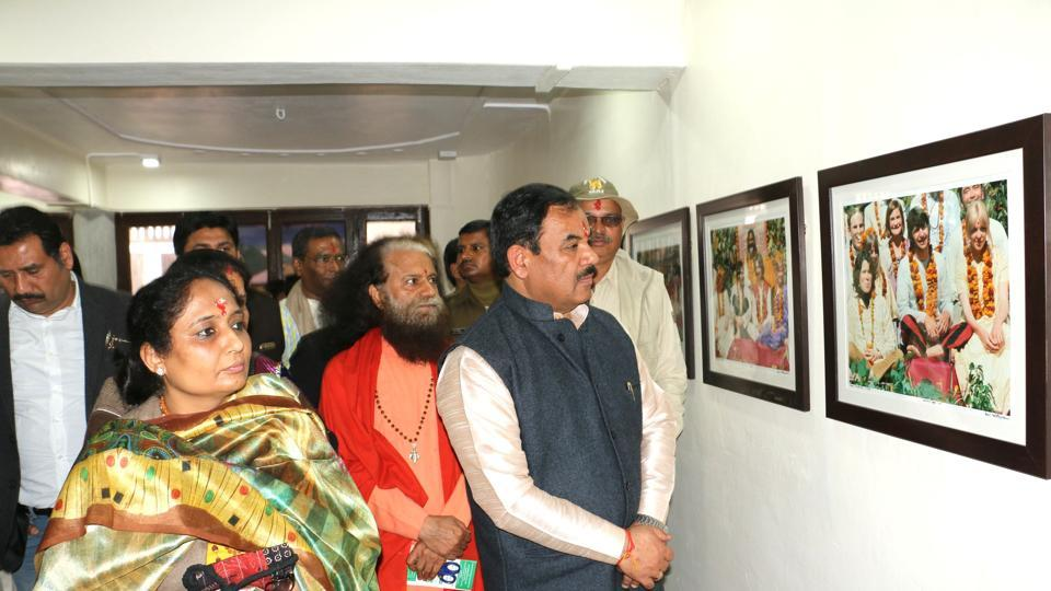 Forest minister Harak Singh Rawat and others witness the exhibition in Rishikesh on Monday.
