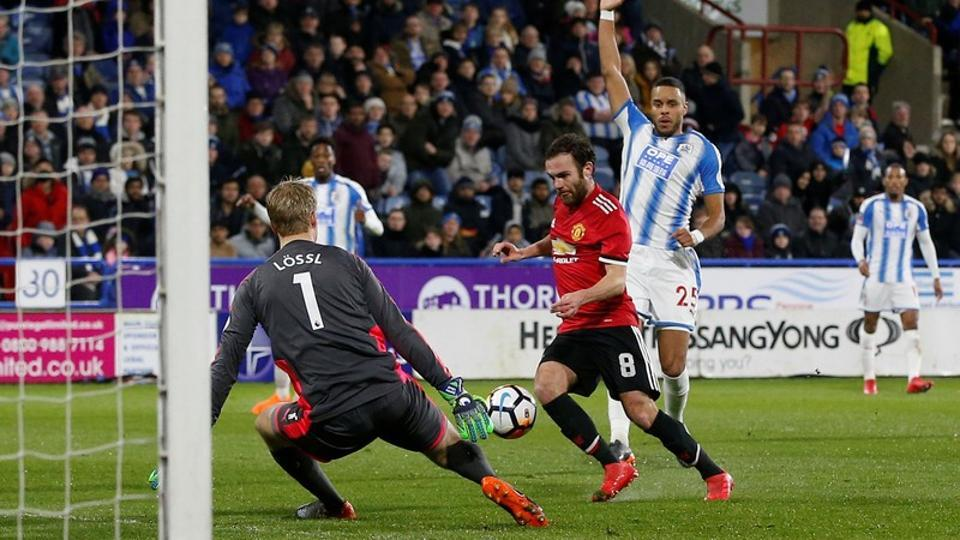 Lukaku double steers Man United into FA Cup quarters