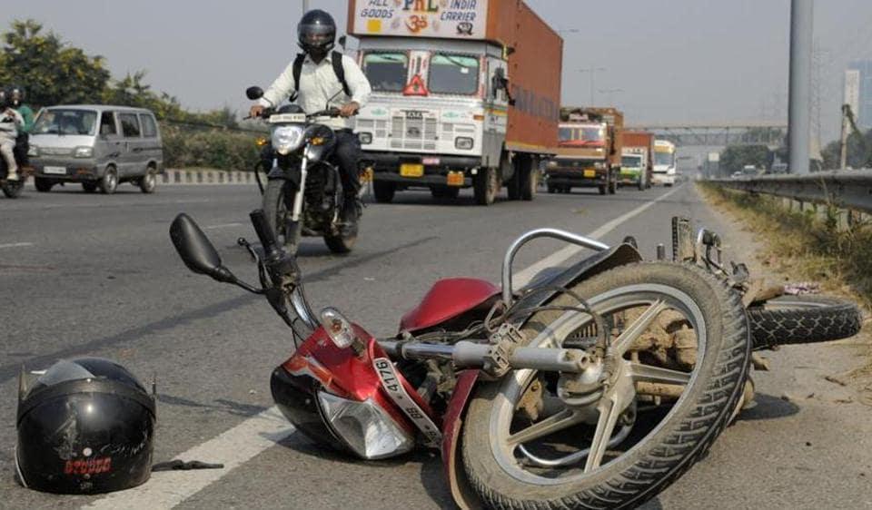 Mumbai,bike accident,road accident