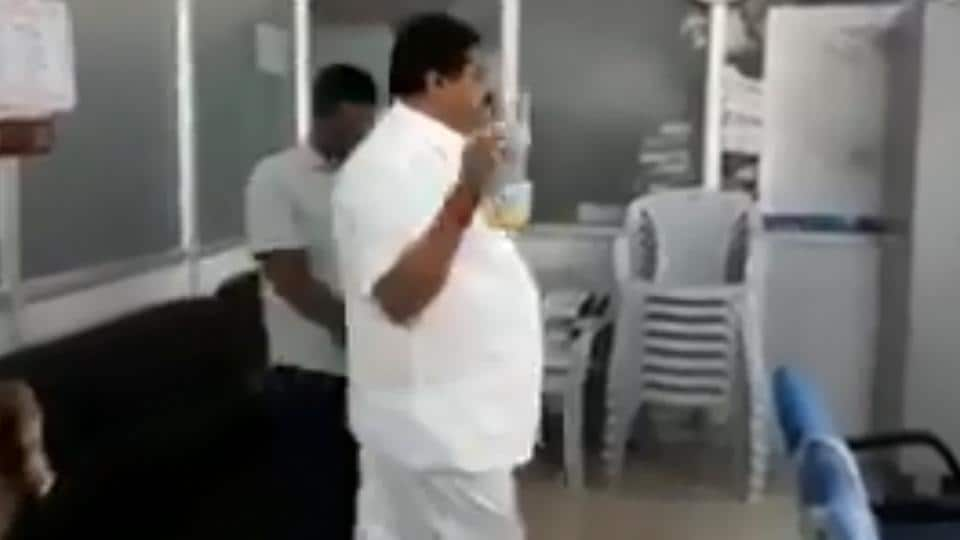 On cam: Congressman threatens to set BBMP office on fire