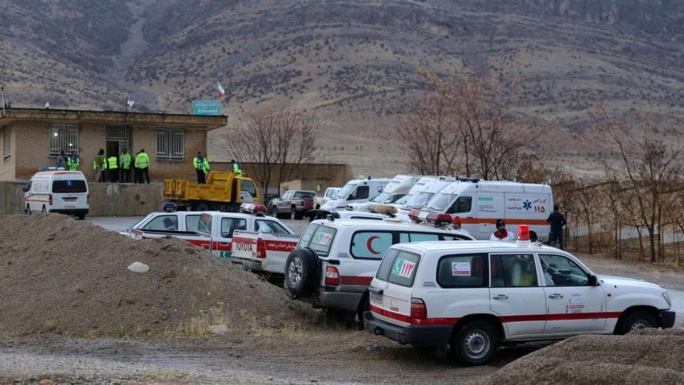 Ambulances and vehicles gathered in full force near the town of Semirom. As many as 60 helicopter sorties were flown yesterday to no avail. (Tasnim News Agency / REUTERS)
