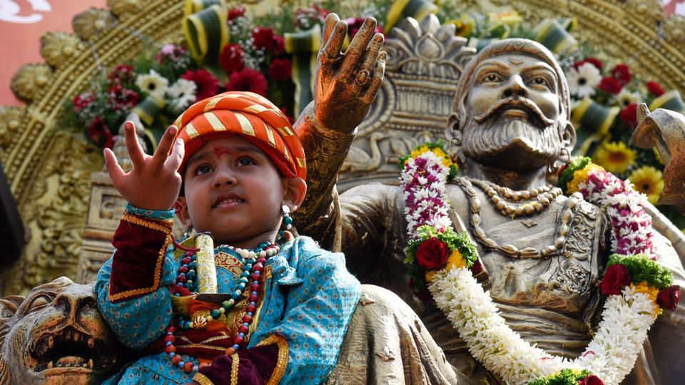 A child dressed up as Shivaji Maharaj during a rally from Shaniwarwada to SSPMS college, organised by the Maratha Seva Sangha, on the occasion of Shiv Jayanti on February 19.  (Sanket Wankhade/HT PHOTO)