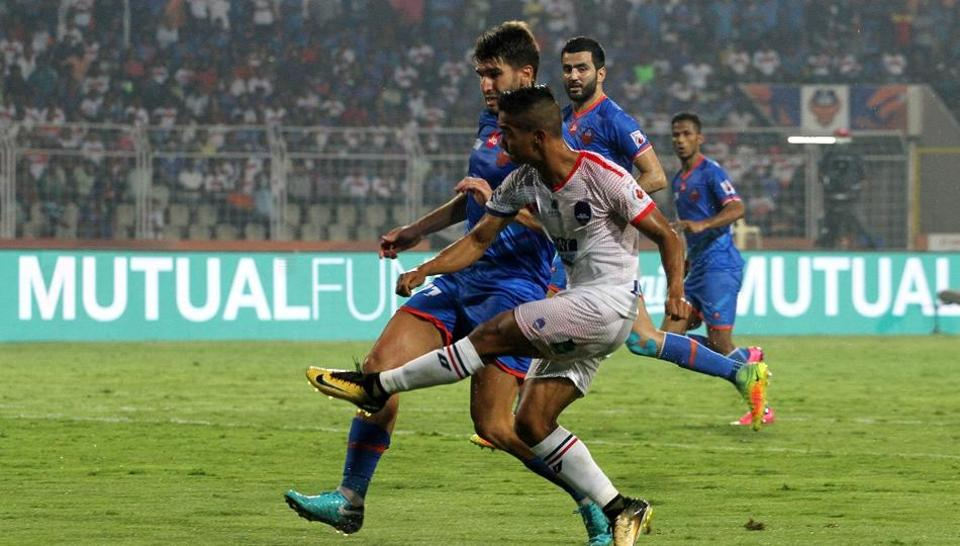 Kalu Uche's late strike cancelled out Hugo Boumous' opener as Delhi Dynamos held FC Goa to a 1-1 draw in an Indian Super League (ISL) match on Wednesday.