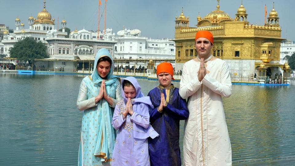 Trudeau offers prayers at Golden Temple