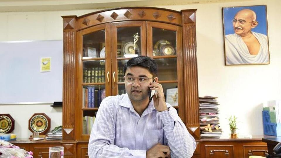 Gurgaon school rape threat,Gurgaon deputy commissioner,Gurgaon DC Vinay Pratap Singh