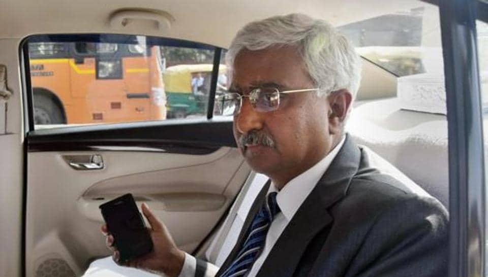Delhi chief secretary,Anshu Prakash,Delhi chief secy assaulted