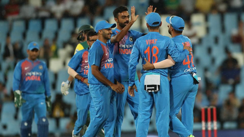Jaydev Unadkat got the wicket of JJSmuts as South Africa stuttered.  (BCCI)