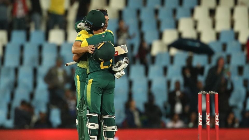 JP Duminy's 10th fifty helped South Africa achieve a six-wicket win and stay alive in the three-match series.  (BCCI)
