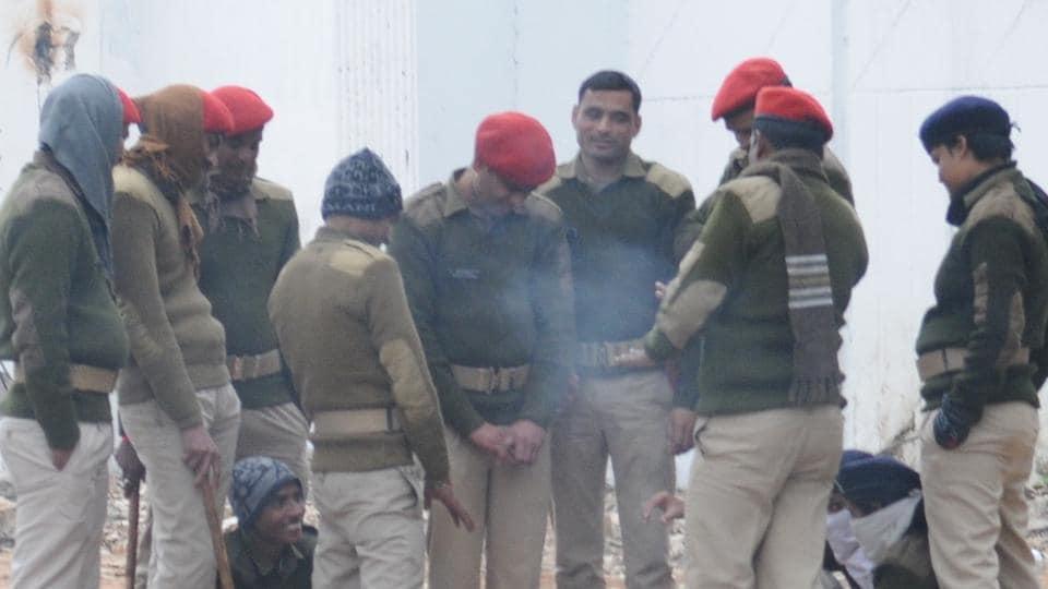 Patna police lines,Policemen absconding,Bihar police