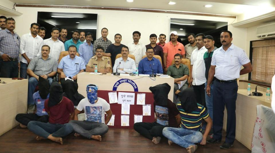 Pune,Jewellery theft,Six arrested