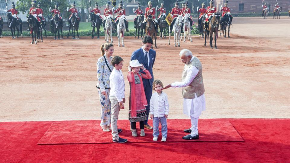 Modi and Trudeau on Friday held extensive talks on key issues of counter-terrorism and extremism as well as ways to boost trade ties, after which the two sides inked six pacts. Asserting that it is important that the two countries work together to fight terrorism, Modi said there should be no place for those who misuse religion for political goals. (Vipin Kumar/HT Photo)