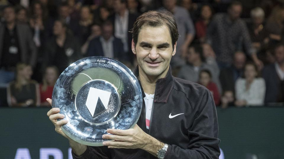 Roger Federer , who recently became the oldest No.1 ranked player, has decided to skip the Dubai Championships.