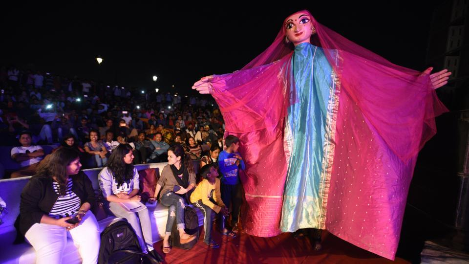A puppet artist performs during the Youth Festival organized by Delhi Government at Central Park, Rajiv Chowk, New Delhi.Since its inception in 2001, the Ishara International Puppet Theatre Festival has received tremendous acclaim and support from puppeteers and artists across the globe. (Sonu Mehta / HT Photo)