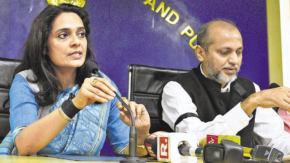 AAP govt,Bureaucracy,Delhi govt crisis