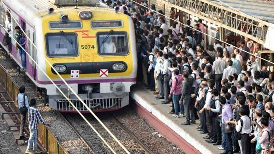 The disruption of services forced commuters to get down on the tracks to reach the nearest stations such as Dombivli and Thakurli.